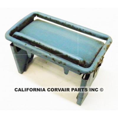 USED 1960-64 ASHTRAY