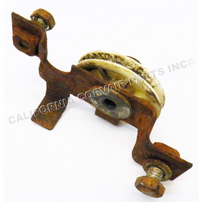 USED 1960-64 AUTO LOWER PULLEY